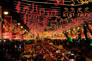 d0bc09_Singapore_Christmas_decorations_1_Photo_credit_-_Singapore_Tourism_Board_